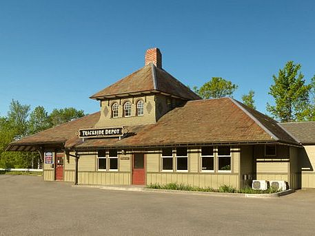 Wood hip-roofed train depot